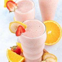 Homemade strawberry banana smoothie recipe