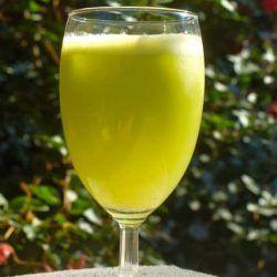 Apple cucumber celery juice