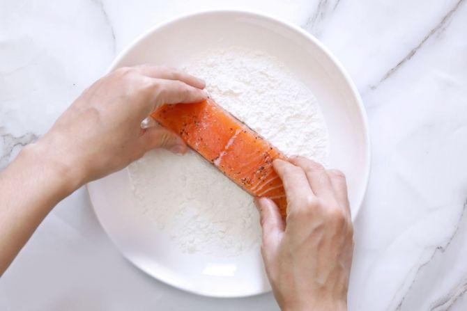 step 2: Flour coat the salmon