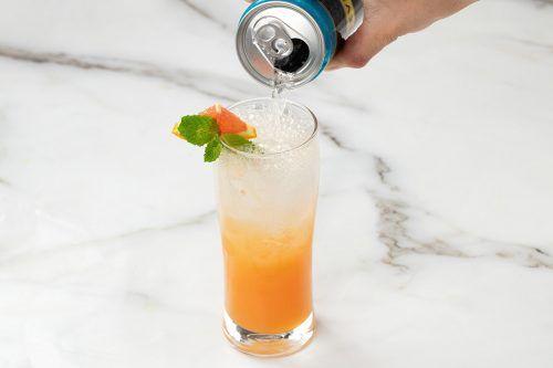 Step 2: Garnish add soda and serve
