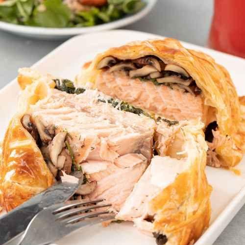 Homemade Salmon En Croute Recipe wellington