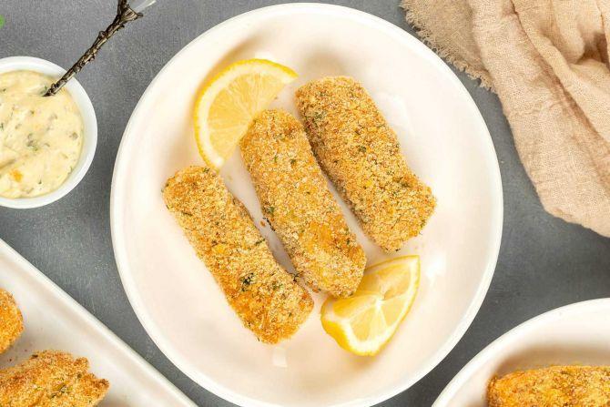 Step 6: Serve fish sticks with the sauce.